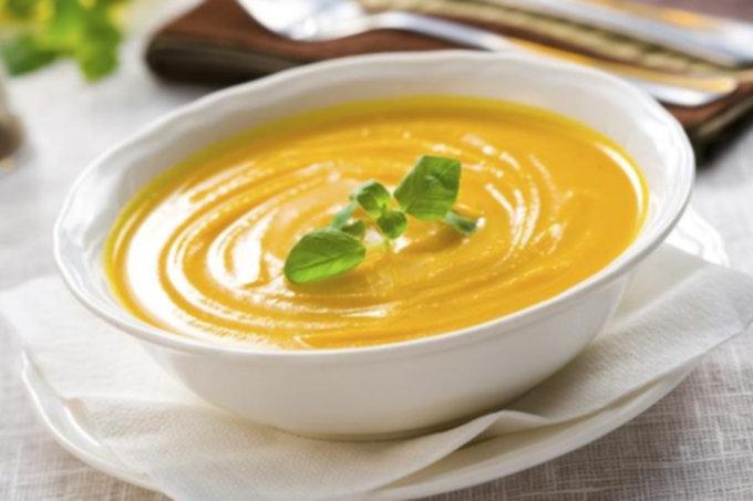 Суп-пюре с тыквой, овощами и сливками